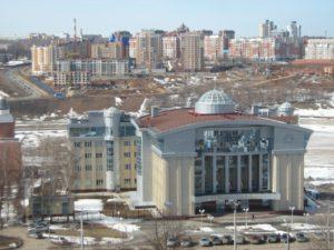 2010.04.11 Вид с крыши центра оказания услуг населению на какое-то правительственное здание